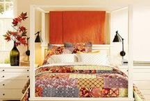 4 Poster  / ideas for how the heck to make a 4 poster bed look good.  / by Amber Corbi