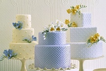 Event//Wedding Cakes, Cupcakes & Dessert Bars / by Andrea Rachel
