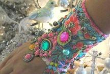 accessories  / Acessórios que amo. uso e/ou usaria se eu os encontrasse. / by Josie Marques