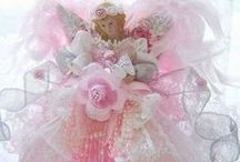 Christmas ♥ Pink / Everything pink, a bit shabby or not, beautiful / by Nancy Ashmore