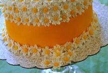 Cakes / by Claudia Dias