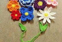 Crochet Flowers / by Marina Van Rijswijk
