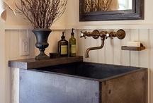 Bathroom / by Primitive Hare Isobel-Argante