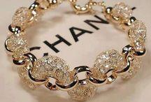 jewelry / by Kassi Wizner
