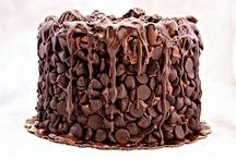 Chocolate / by Dessert & Wedding Darling