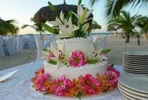 wedding ideas <3 / by Nicole Stagner
