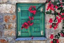 Puertas-Ventanas-azulejos / by Marine Cap