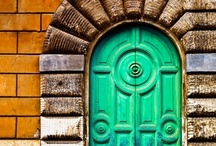 Inviting Doors / by Maryann Rizzo