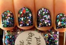 "The Nail Files / ""I don't like plain nails. They make me sad.""-Zooey Deschanel  / by Jess"