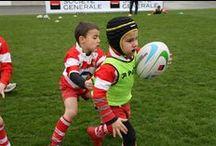 Best-Of 10 ans des Journées des Ambassadeurs  / Depuis 2005, 37 villes ont accueilli l'événement, avec la participation de plus d'une centaine de joueurs professionnels qui se sont investis « par amour du rugby ». Cette année, les JDA se dérouleront à Nancy (12-13 février), Saint-Etienne (26-27 février), Chessy (12-13 mars) et Saintes (26-27 mars).   Voici, en quelques photos, ce que représente depuis 10 ans « l'esprit JDA »… / by Ligue Nationale de Rugby - Officiel