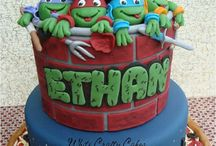 Kids cakes / by Stephanie Phillippi