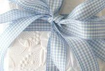 Gifts & gift wrap / by Leslee Shepler
