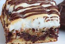 Desserts / Absolutely yummy desserts! / by Ashley Walkup {EmbracingBeauty.com}