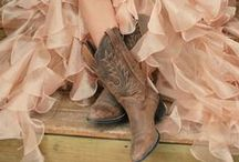 [Country] Girl / For the Southern belles and country girls: outfits, fashion and accessories  / by Studentrate Trends