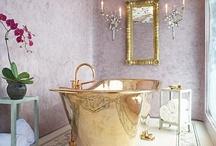 Bathtub with a view / by Elizabeth Finney