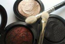 #Beauty & MakeUp / by Cyndi Richardson