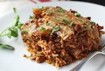 Main Dish Recipes / Lots of great main dish recipes for dinner time. / by Tia's Kitchen Recipes