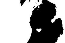 [h o m e] is where the heart is. / by Hannah Geluso