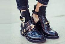 shoeses / by Alyssa Sorano