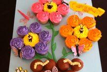Cupcakes / by Elizabeth Faulkner
