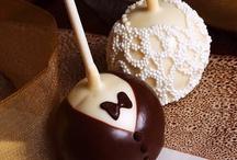 Cake Pops/Truffles / by Elizabeth Faulkner
