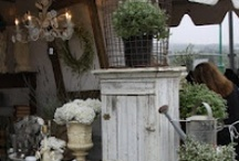 "Antiques & Flea Markets / by Rachael Powell - ""MyssP"""
