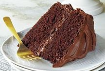 Cake & Cupcake Recipes / Recipes for soooooo good cakes and cupcakes.  / by Charlotte Dillon