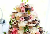 Food - Cupcakes / by Sara Kendrick