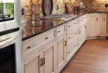 Kitchens / by Janis Sweat