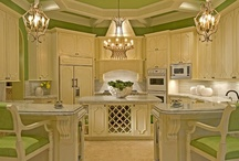 Kitchens / by Patricia Sylvester