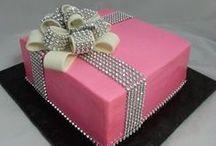 Cakes & Cupcakes / by Kimberly Westbrook-Bernardi