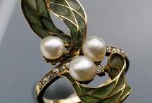 jewelry / by Roberto Jose Castañeda Renteria