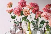 Arranjos Florais  / by Mira Melke - Blog Clube Noivas