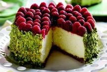 Dessert (Cakes) / by Diane Karwoski