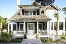 home: front exterior / by Jenna Stoller