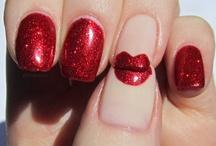 Polish & Love / Tiny nail art / by Romy Knight
