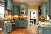 Kitchens / by Kellie Hopkins