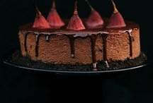 scrumptious cakes / by Ilona Hering