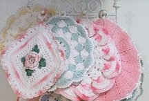 "Quilts - Crochet & Knitting inspirations ""2"" / ""Our lives are like quilts - bits and pieces, joy and sorrow, stitched with love."" ~~ ¸.•♥•.¸¸.•♥•.¸ ღ ""A family is a patchwork of love."" ~~ ¸.•♥•.¸¸.•♥• ""Love is the thread that binds us.""   ღ / by Debbie Coleman"