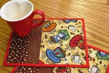 QUILTS - MUG RUGS / by Michelle Brunet
