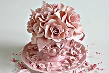 CUPCAKE  DESIGN / The artistic work in cupcake decorating is amazing.  I love and admire the work of Kylie Lambert (Le Cupcake AU) who is brilliant at what she does. / by Leslie Messina Dawson-Mouzis