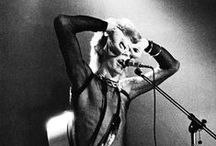 Bowie: fashion icon (mostly 1970's)  / by Josee Pepin