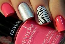 nails,hair,& make-up / by Nicole Galas