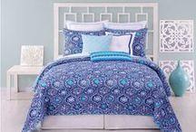 Blue Bedding Sets / Blue comforter sets, duvet sets, quilts and bedspreads. / by Lesley Stevens
