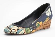 My Style {apparel + footwear} / by Laura Ferioli
