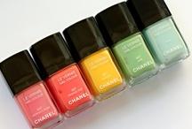 Nails, Nails, Nails / by Wahanda