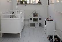 home// aah... kids / by Simea Gut