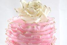 Amazzzzing cakes / by Tammy Barrett