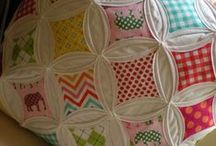 Quilting / by Raquel Roetto