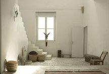 Decorating with White / Decorating with white. / by Planet Weidknecht